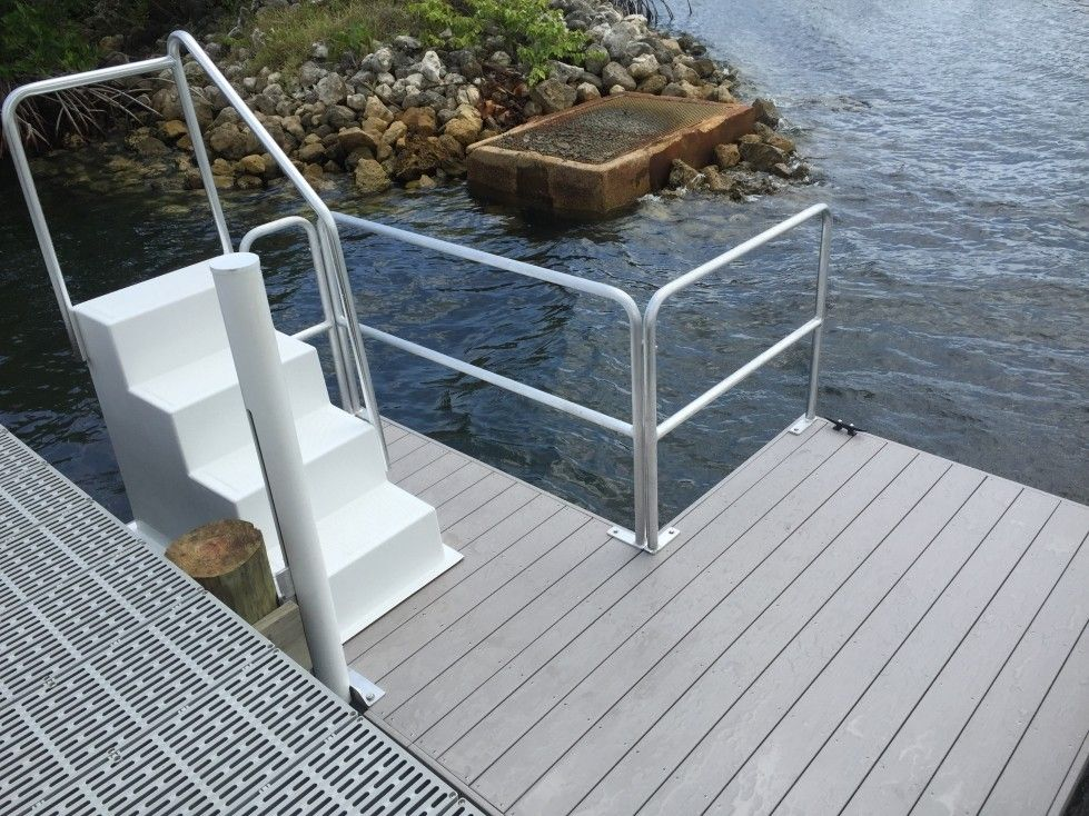 8 x 13 Kayak Slip Dock – Harbor Gray Decking, Stairs – Side Car 1