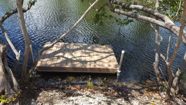 Floating Docks secured with pipe
